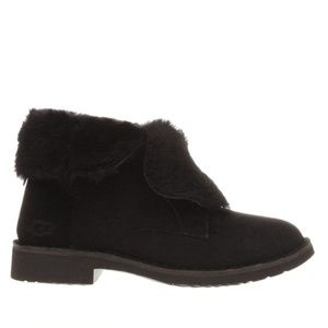 UGG Shoes - Ugg Quincy Black Shearling Boot 8.5